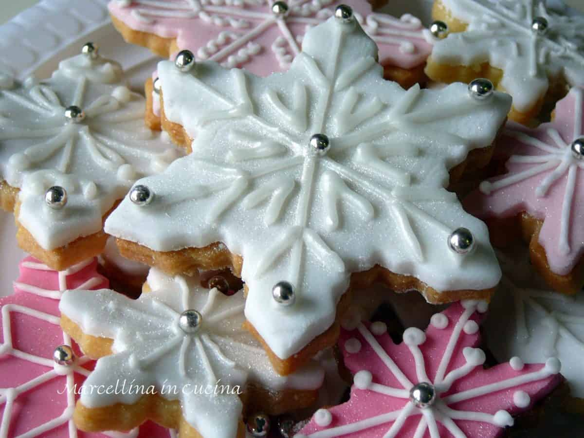 Snowflake sugar cookies with white and coloured fondant