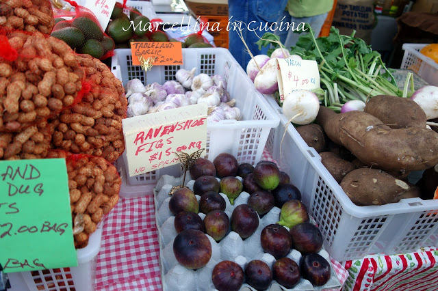 Come with me to the North Queensland Farmers Markets