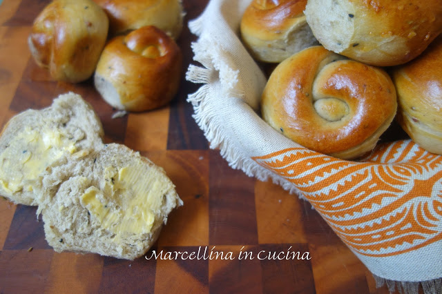 Spiced Bread Rolls – A Baker's Odyssey Challenge #53
