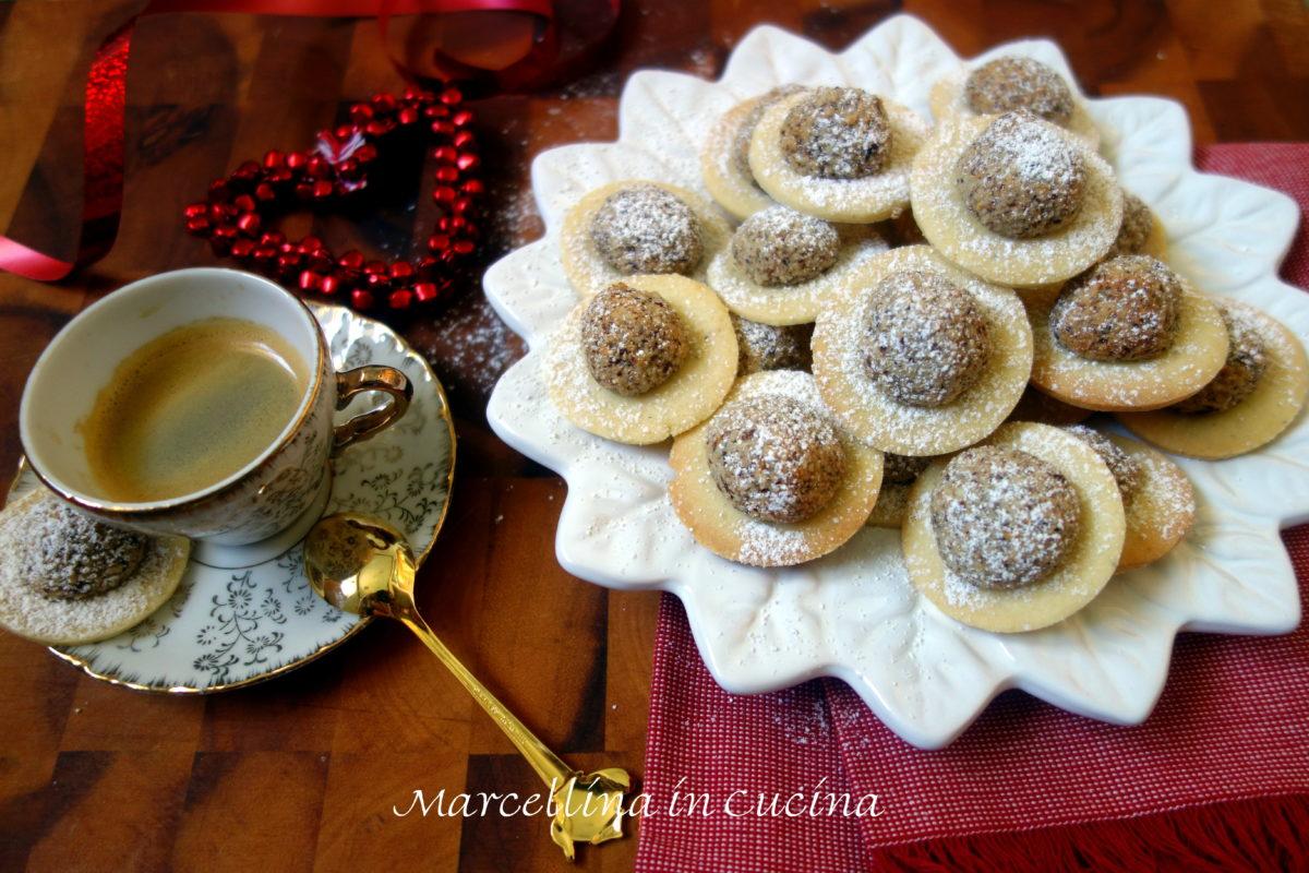 Hazelnut Christmas Cookies – A Baker's Odyssey Challenge #56