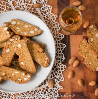 plate of Italian piparelli - spicy cookies