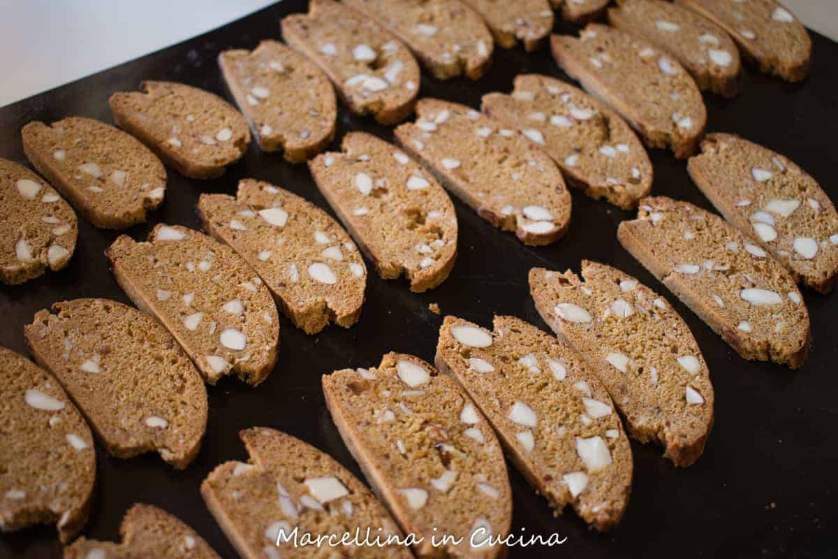 black tray of Italian piparelli - spicy cookies